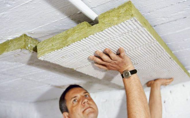 Процесс утепления потолка со стороны нижнего этажа