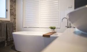 Какие жалюзи-рольставни выбрать в ванную комнату