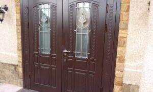 Какими должны быть входные металлические двери в квартире и доме?