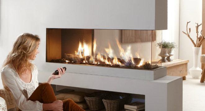 Электрокамин с эффектом живого огня поможет создать уют и яркий акцент в комнате